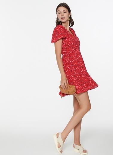 Loves You Anvelop Kapama Desenli Viskon Elbise Kırmızı